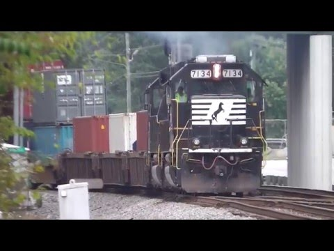 NORFOLK SOUTHERN TRAINS IN AUSTELL,GA. 9-22-2015