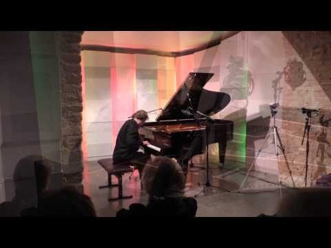 Roland Batik: Mozart-Sonata KV 330 (Intro: Blues in F) live at Mozarthaus Vienna