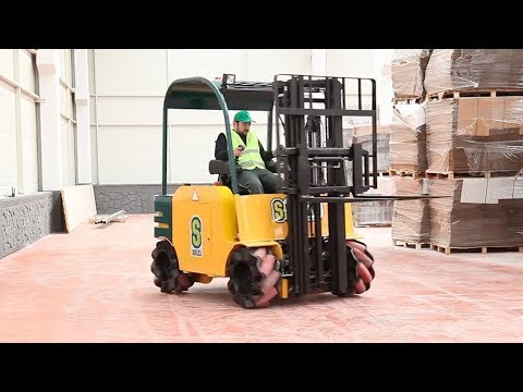 This Forklift Moves In Any Direction!