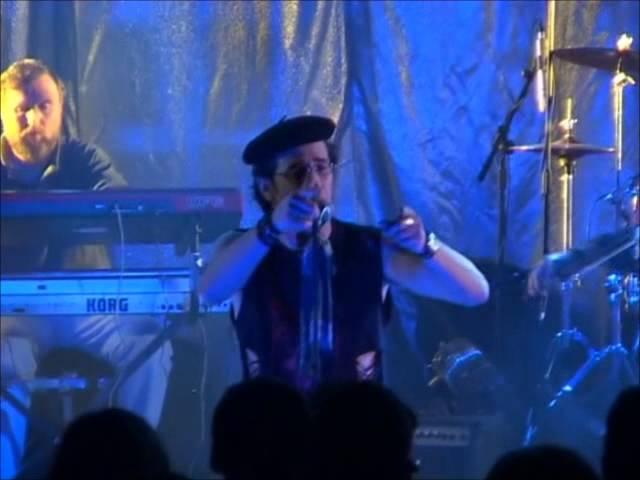 Bucéfalo canta 'Consejos del tío Perico'