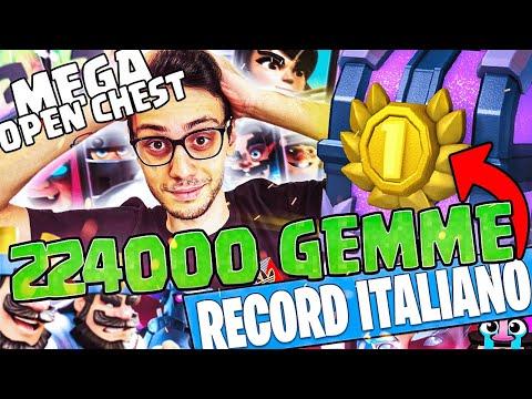 SUPERO il RECORD di CICCIOGAMER89 - il CHEST OPENING più GRANDE d'ITALIA su CLASH ROYALE
