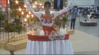 שולחן מרקד - אלכוהול וזוהרים,  אלביס פרסלי - כנס מפיקים