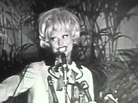 Carol Channing sings for Lyndon B. Johnson and helps him win the 1964 Presidential Election.AVI
