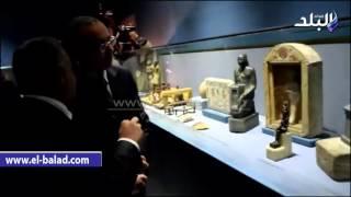 بالفيديو والصور.. 'الدماطي' يشرح لوزير الطيران تاريخ آثار متحف المطار