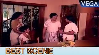 Adoor Bhasi stops  The Lady || Padayani  Movie Scenes