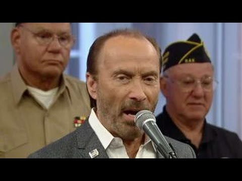 Lee Greenwood performs 'God Bless the USA' for Veterans Day