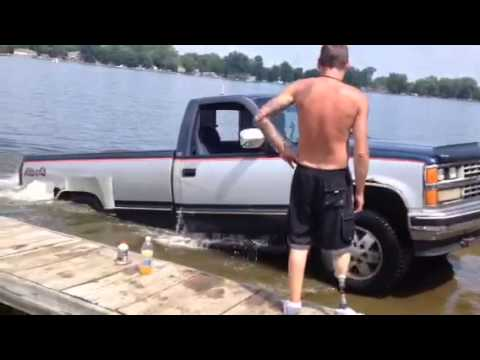 launching jet ski from bed of pickup youtube. Black Bedroom Furniture Sets. Home Design Ideas