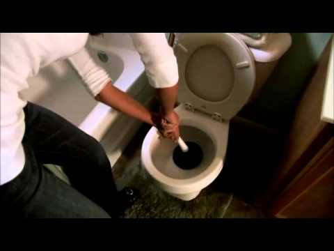 How to unclog a toilet | Toilet clog tips from Roto-Rooter - YouTube