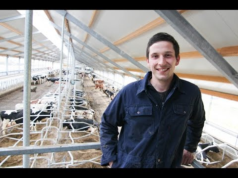 Farmer replaces milking robots with new rotary parlour!