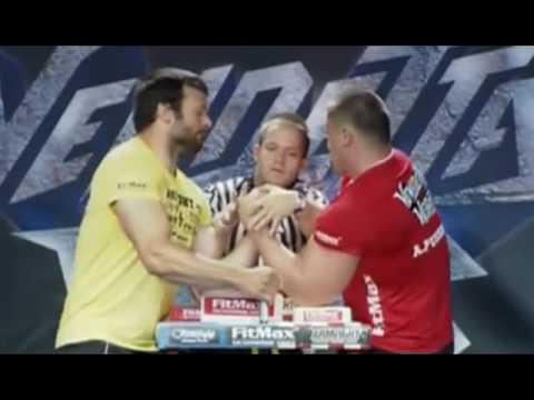 Андрей Пушкарь vs  Девон Ларрат