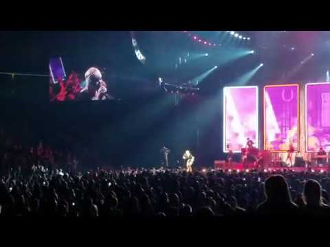 Mama's Broken Heart - Miranda Lambert (live from Prudential Center)
