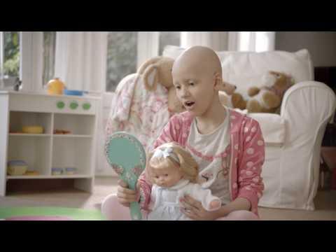 messi lanzo campana para abrir un centro de tratamiento del cancer infantil
