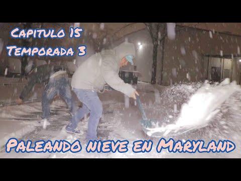 Capitulo 15 / Temporada 3 /  Trabajando de  Palear Nieve en la Tormenta Invernal