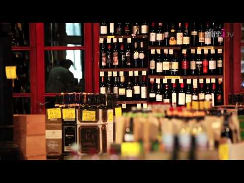 Streets of Barcelona — U. Tesi Mascarell Wine Shop