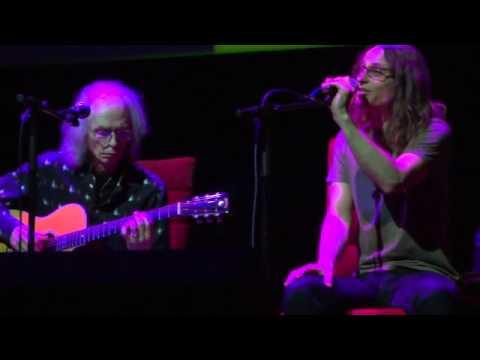 Steve Howe and Jon Davison  The Leaves of Green