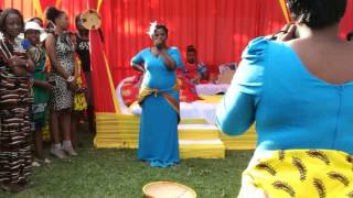 Zambian kitchen party video goes viral - Woman shakes huzhegu thumbnail