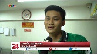 Tài xế Grab giúp phóng viên VTV bắt cướp - Tin Tức  VTV24