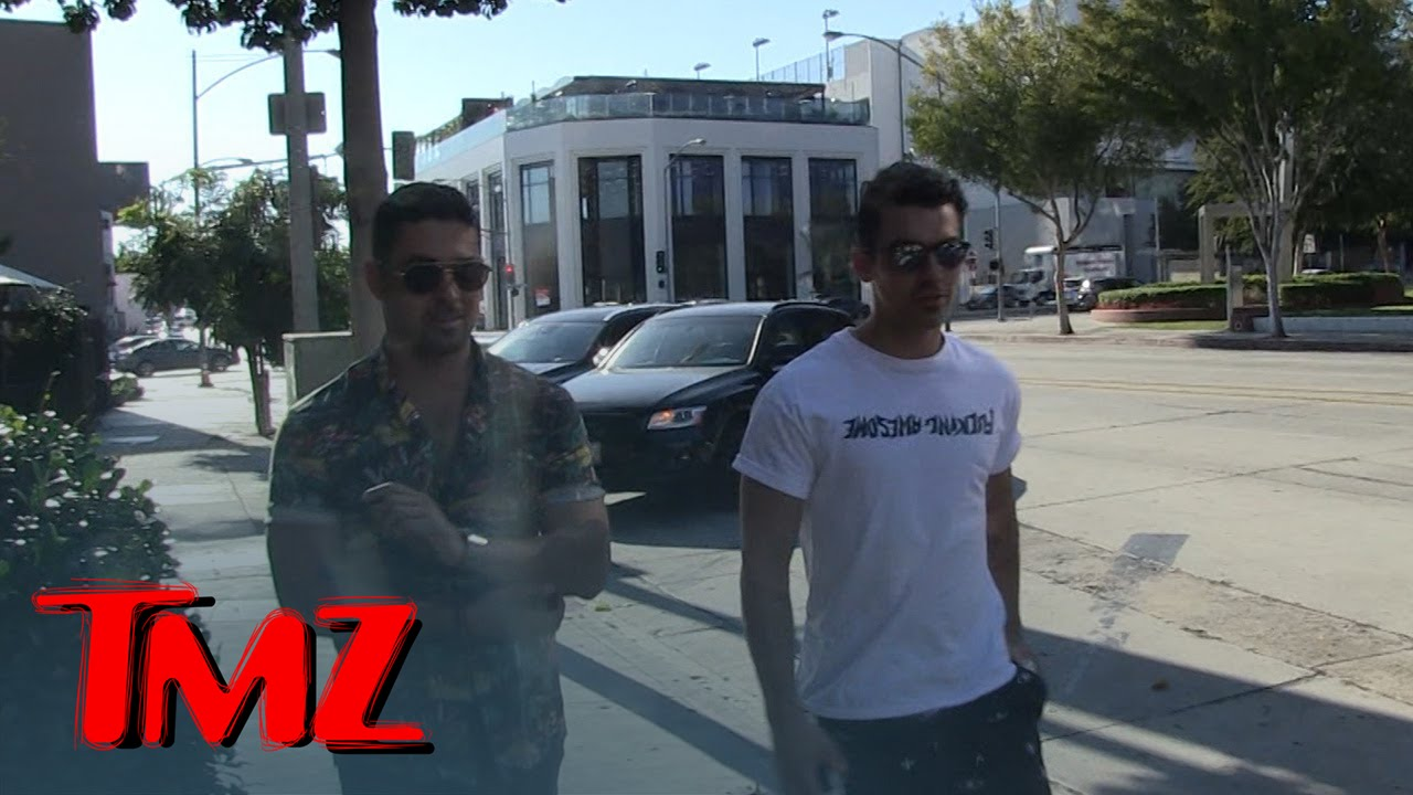 joe jonas wilmer valderrama hanging out tmz youtube. Black Bedroom Furniture Sets. Home Design Ideas
