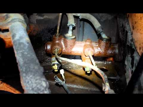 How to diagnose and replace your OLD VW brake master Cylinder