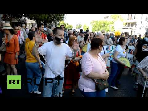 Spain: Madrid decries 'gag-law' at 15m anniversary march