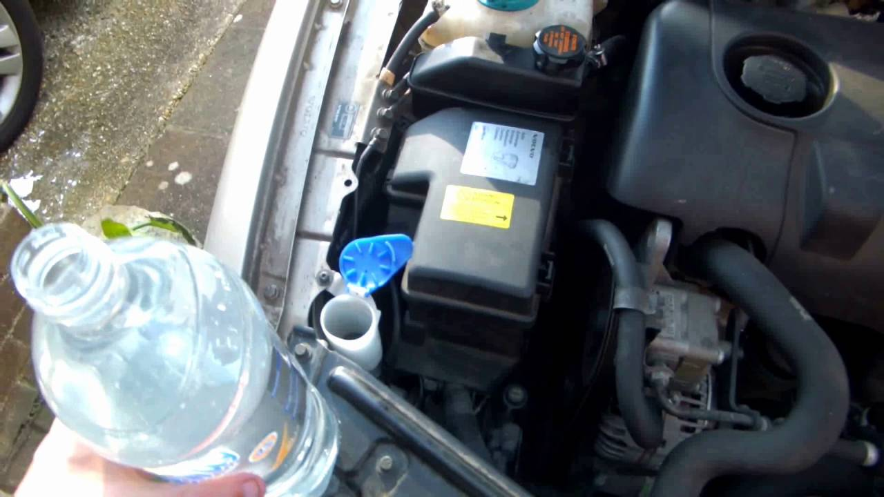 2016 Volvo S80 >> How To Fill A Screenwash/Windshield Washer Bottle Without Overspill - Volvo V70/S60/S80 - YouTube