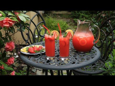 How To Make Strawberry Lemonade {in The Blender}