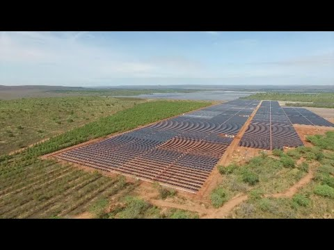 Solar For America >> Pirapora, a maior usina de energia solar da América Latina - YouTube
