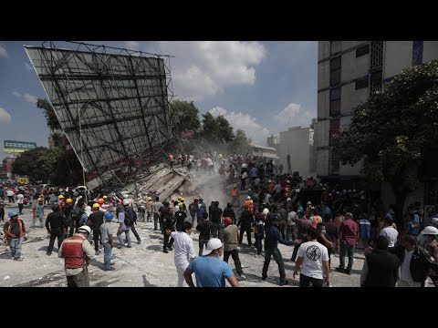 Powerful earthquake strikes Mexico