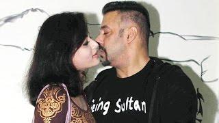 Salman Khan Caught With Sneha Ullal