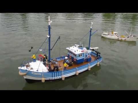 """Offshore Club de Paris 2013 : Le chalutier """"Lotus Bleu"""" de Marcel - Modélisme naval RC"""