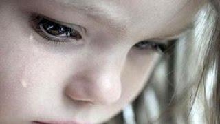 Восьмилетняя сиделка | Говорить Україна(Смотрите сегодня, 02 сентября в 19:45 Пока ее подружки играют с куклами, эта девочка кормит собственную маму...., 2015-09-02T08:50:41.000Z)