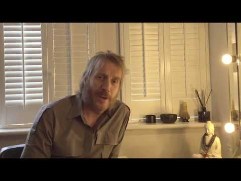 A message from Rhys Ifans on Giving Tuesday (November 28, 2017) 🎩🎄🎅💝⭐⭐