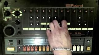 Van Der Funk - Is On Acid  -- Roland TR 909, TR 808 & TB 303 Acid House Jam