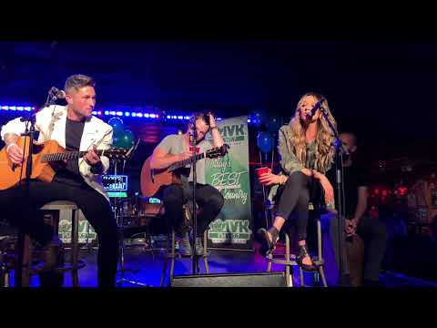 "Michael Ray & Carly Pearce ""When You Say Nothing at All"""