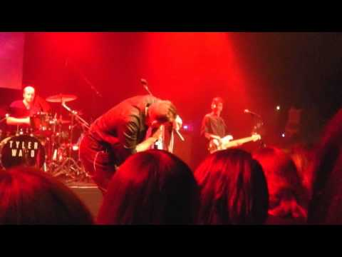 If I'm being honest - Tyler Ward - live in Bremen Germany - October 19th 2013