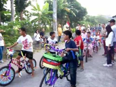 lomba sepeda hias anak 17an hut ri ke-67 di perum bmw