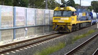 Australian Trains: Sydney, Heritage Express v Freight, 11Apr14
