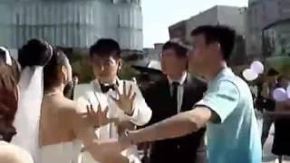 Влюбленный гей выкрал жениха прямо со свадьбы на глазах у невесты