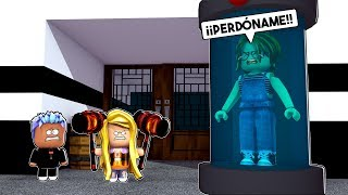 JUANA BECOMES THE BEST BEAST in FLEE THE FACILITY ROBLOX 😂