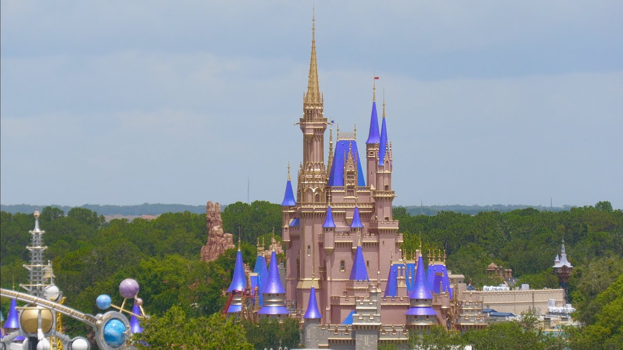 Seeing Magic Kingdom From 10 Stories High! AMAZING Views at Walt Disney World Resort 2020