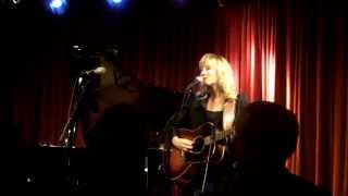 "Amy Speace ""The Sea and The Shore"" (with John Fullbright) @ Meneer Frits Eindhoven 30-9-2013"
