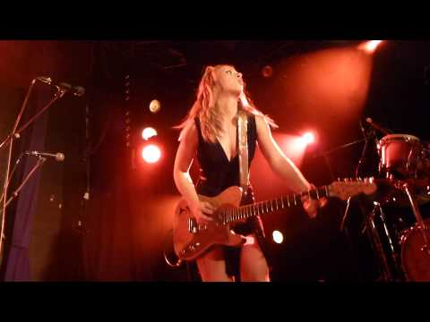 Samantha Fish - Black Wind Howlin' - LIVE PARIS 2013