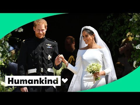 Royal newlyweds gift their flowers to a special place
