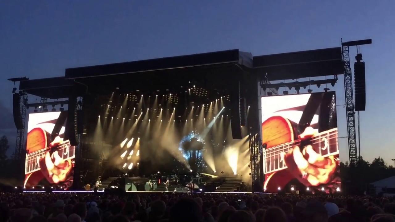 Guns N' Roses   Not In This Lifetime... 2017 (Hämeenlinna, Finland - Highlights) - YouTube