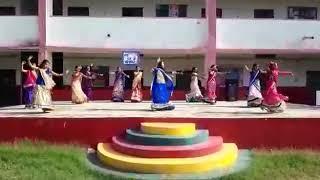 Chudi bhi zid pe aayi h.......