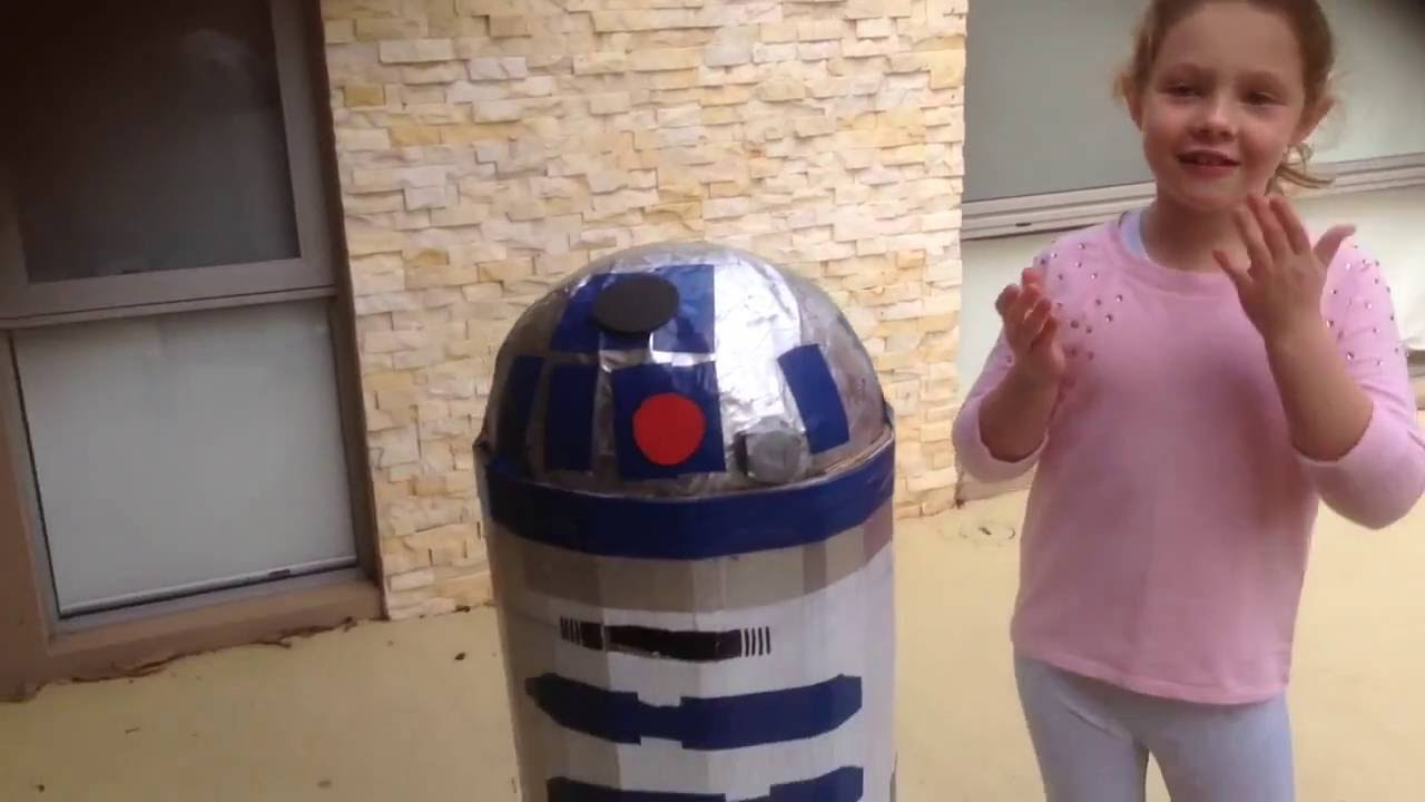 How to make an r2d2 costume youtube how to make an r2d2 costume solutioingenieria Images