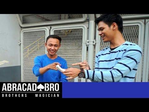 Hancurkan Handphone Koharo - abracadaBRO Street Magic Prank Indonesia