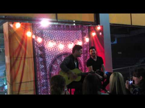 "Dan + Shay ""Sway"" Acoustic Session Live At Mohegan Sun 5/3/14"