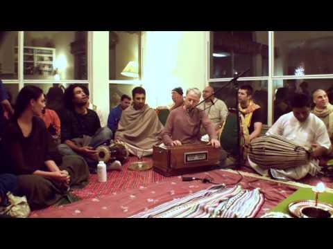 Bhajan - Mukunda Datta das - Yashomati Nandana