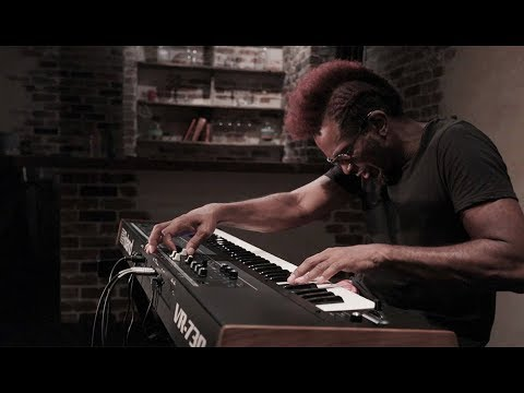 Roland V-Combo VR-730 Live Performance Keyboard: Split Setting Sound Preview